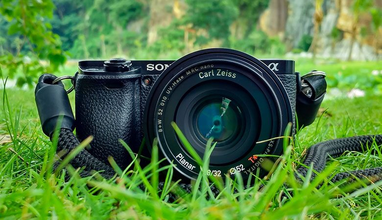 Tips to Keep a DSLR From Being Stolen