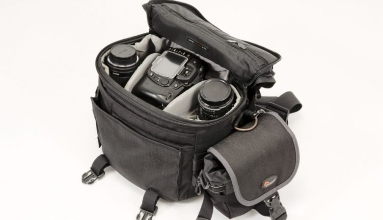 How to Store DSLR in Bag